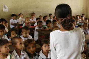 Picha:UNICEF/NYHQ2008-0563/WIN NAING