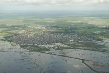 Mtazamo wa angani wa mafuriko karibu na mji wa Jowhar, Somalia.