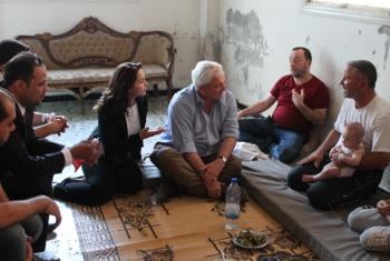 Stephen O'Brien akiwa Homs ziarani nchini Syria.(Picha:UM/SARC/Abdulaziz Al-Droubi)