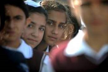 UNESCO yandindua video kabambe ya elimu ya jinsia_Being a young person.Picha: World Bank/Allison Kwesell