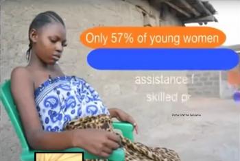 Msichana Aziza, mwenye umri wa miaka 17 akiwa na mimba ya miezi tisa. Picha: UNFPA Tanzania