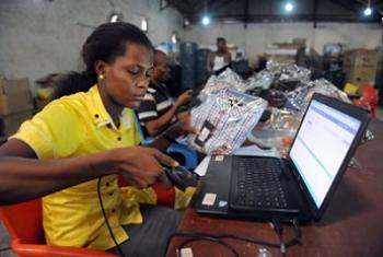 Biashara mtandao ni fursa kwa ajira. (Picha:UNCTAD/http://bit.ly/2hKAa4z)