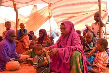 Nalo Nuura Musdhaf, 26, anayeishi katika kambi na wanae.(Picha:UNifeed/video capture)