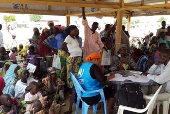 Wakimbizi wa Nigeria walioko Cameroon. Picha: © UNHCR/D. Mbaiorem