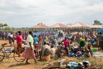 Wakimbizi kutoka Sudan Kusini wakiwa kambini Ngoromoro nchini Uganda. Picha: © UNHCR/Rocco Nuri