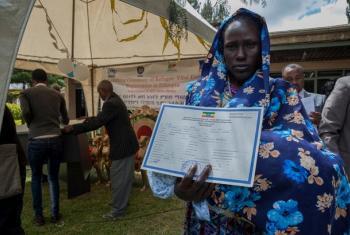 Ariat Ochocka Odulla ambaye mwanae mvulana wa miaka 18 ni miongoni mwa wakimbizi watoto wa kwanza kupata cheti cha kuzaliwa cha Ethiopia.(Picha:UNHCR/Diana Diaz)