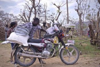 Pichani ni eneo le Jeremie nchini Haiti ambako baada ya kimbunga Matthew kilichopiga Haiti mwaka jana watu zaidi ya 750,000 walihitaji misaada ya dharura ya kibinadamu. (Picha:IOM/Hajer Naili)