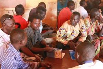 Wapiganaji wa zamani katika kikao cha mafunzo kwenye mji mkuu wa Bangui, CAR. Mafunzo yanafanyika Bangui katika mikoa ilyoathirika zaidi na vita. Picha: FAO