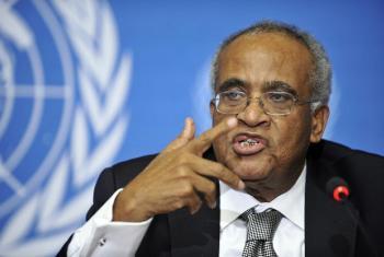 Dkt. Salim Ahmed Salim, mwanadiplomasia nguli kutoka Tanzania ambaye ameshika nyadhifa mbalimbali kwenye Umoja wa Mataifa ikiwemo Rais wa mkutano wa 34 wa Baraza Kuu la Umoja wa Mataifa mwaka 1979. (Picha: UN/Maktaba)