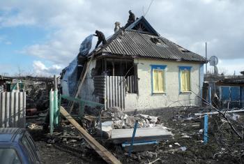 Mapigano Ukraine yanaendelea kuharibu miundombinu muhimu, na raia wahitaji misaada. Picha (Maktaba): UNHCR_Iva Zimova
