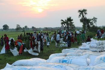WFP wasambaza misaada kwa wakimbizi Sudan Kusini (Maktaba). Picha: WFP