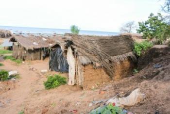 Nyumba zikionyesha mazingira ya uchafu katika wilaya ya Karonga kazkazini mwa Malazi