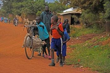 Raia wa Jamhuri ya Kidemokrasia ya Congo DRC wakikimbia ghasia jimbo la Ituri. Picha: UM