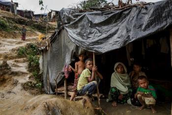 Watoto waRohingya katika kambi ya Chonkhola huko Chakdhala, Bangladesh.