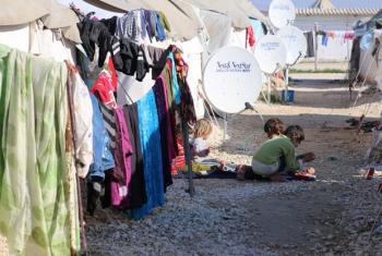 Watoto wa Syria wanacheza katika kambi ya wakimbizi ya Akcakale, Turkey. Picha: WFP/Berna Cetin (maktaba)