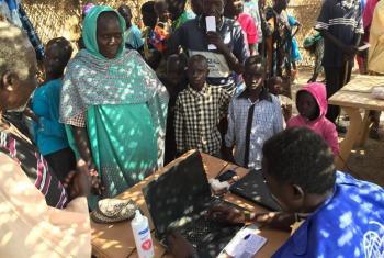 Raia wa Shilluk mkoani Wau wasajiliwa kwa ajili ya misaada ya kibinadamu. Picha: IOM/Sudan Kusini