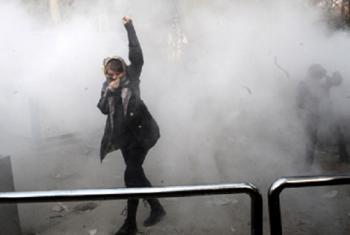 Mwanafunzi wa Chuo kikuu huko Tehran katika maandamano. Picha: OHCHR