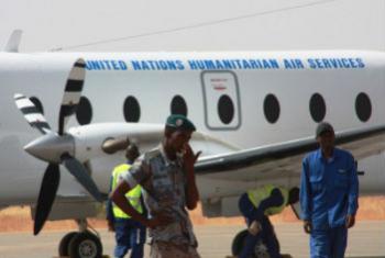 """用于""""人道主义空运服务""""的直升机。联合国开发署图片/Nicolas Meulders"""